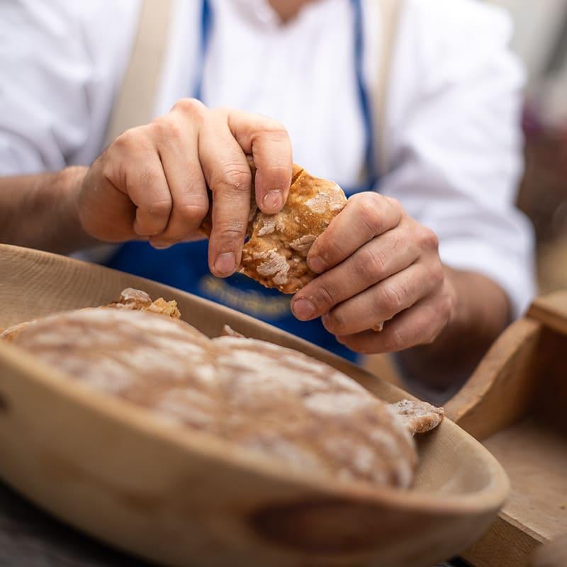 Bread and strudel market