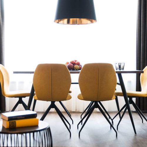 Gerharts - City Suite Stühle mit Esstisch
